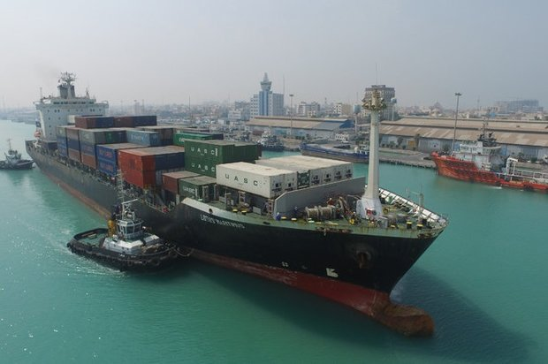 استاندار بوشهر: بندر بوشهر باید برای پهلوگیری کشتیهای ۵٠ هزار تنی آماده شود